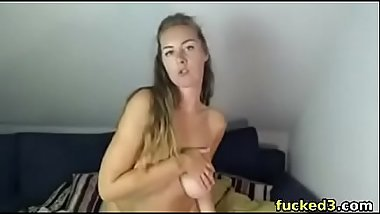 hot camgirl teasing us with her big boob