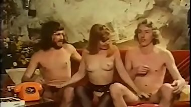 Vintage pornstar gets fucked in hardcore threesome