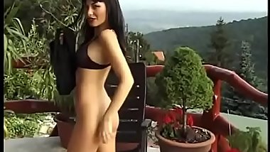 Brunette first mastrubiruet, and then sucks, hot women