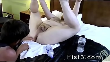 Film sex gay arab Sky Works Brock&#039_s Hole with his Fist