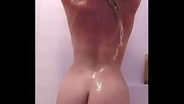 Summer'_s Sexy Soapy Hot Shower
