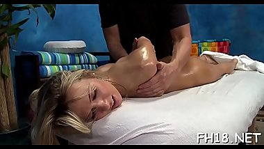 Sexy sexy babe fucks and sucks her massage therapist