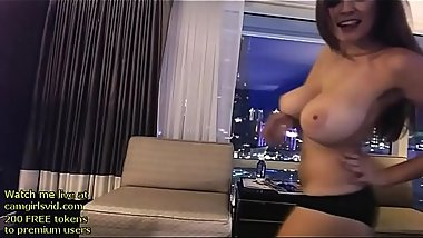 Hot camgirl shows her huge natural boobs - live at link