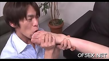 Tempting office doxy seduces her colleague on work