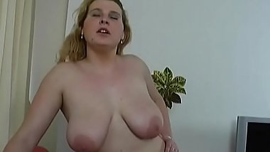 Younger bitch is ready to take some old dong up her wet cunt