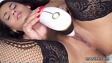 Horny czech chick gapes her slim cunt to the unusual