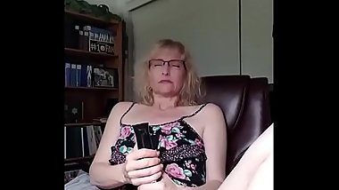 Sexy Mature Finds Herself Home Alone