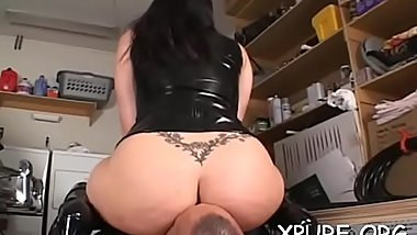 Frisky goddess beauty enjoys sitting on her man'_s face