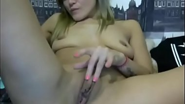 Hot girl touching her pussy -&gt_ FREE REGISTER! www.getacamgirl.tk