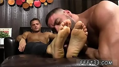 Porn of older gay men at anus pumping party He kicks back after a