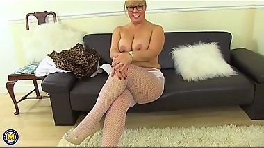 Hot curvy whore Danielle fingering herself) - http://bit.ly/2LAnmsz